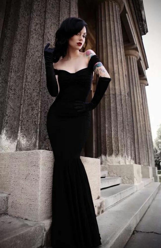 Фото черных маленьких платьев
